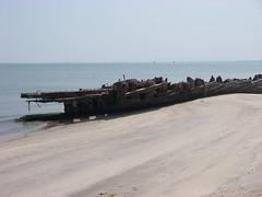 IMGP0176 (paulsyak) Tags: kayak lewes delawarebay beachplumislandshipwreck
