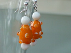 August 20 earrings 028 (Robin_Brown) Tags: orange white bumpy earrings