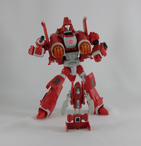 Transformers Powerglide Universe Ultra vs. Powerglide G1