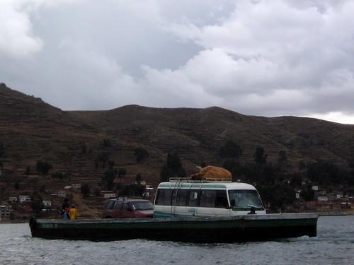 cruzando el estrecho del titicaca