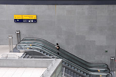 rush hour (claude05) Tags: subway escalator potsdamerplatz daimler daimlerchrysler movingstaircase bigmomma subahn challengeyouwinner commutertrains thumbsupchallenge undergroundregionaltrainstation