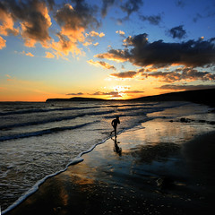Sunset over Compton Bay, Isle of Wight (s0ulsurfing) Tags: ocean blue light boy suns