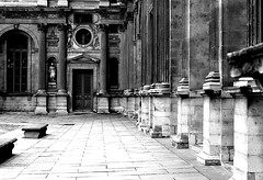 The Darker Louvre (Lotfi Dakhli (TheDigitalFly)) Tags: bw paris art architecture 50mm noiretblanc pentax louvre musee k10d justpentax smcpm50mmf20 aficinonados