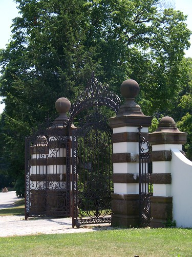 Idle Hour Front Gate at Eagle's Nest - view 2