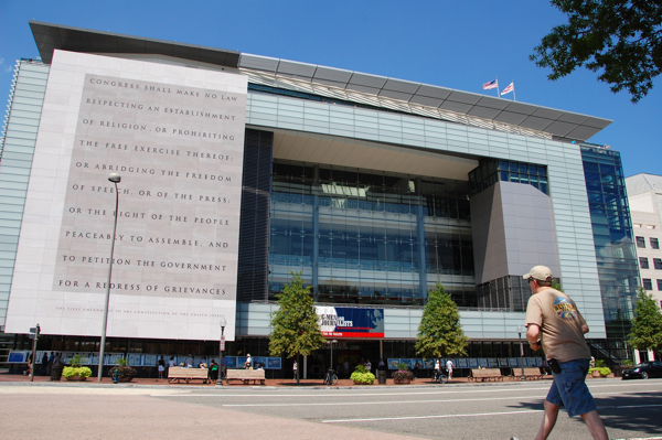 newseum_outside_0027