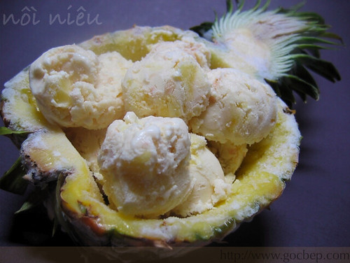 Coconut ice cream with pineapple chunks