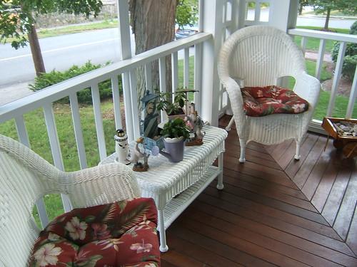 White cane seating area, via Flickr: cafechatelaine