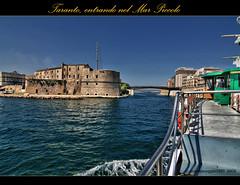 Taranto, entrata nel mar piccolo (Angelo Casteltrione (Aka alterdimaggio1957)) Tags: panorama geotagged mare tokina1224 nave azzurro puglia hdr taranto castelloaragonese canoneos400ddigital