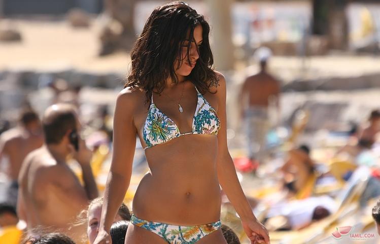 israeli-beauties-on-beaches-raven-riley-pussy-shots