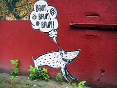 Baum Baum Baum (NullProzent) Tags: streetart rot wand hamburg hund papier sprechblase strasenkunst freiluftkunst kupferdiebe