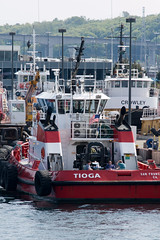 Seattle_3528 (absencesix) Tags: seattle travel industry boats washington marine industrial unitedstates events may noflash transportation northamerica concept 2008 tugboats locations iso320 70200mm locale tioga 200mm shippingyard canoneos30d geocity camera:make=canon exif:make=canon exif:iso_speed=320 apertureprioritymode may42008 summer2008travel textsymbols selfrating0stars exif:focal_length=200mm 1500secatf80 geostate geocountrys exif:model=canoneos30d camera:model=canoneos30d exif:lens=7002000mm exif:aperture=80 assortedevents subjectdistanceunknown argosyharbortour05042008