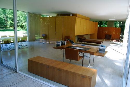 Druta Designs Villa Kiani And Farnsworth House