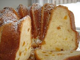 Almond_apricot_pound_cake