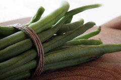 French Beans (Francesco Bartaloni) Tags: italy green fruits fruit rustico florence beans italia rustic vegetable bean firenze veg frutta tabletop verdura vegetali fagiolini frenchbean bartaloni francescobartaloni frankbb