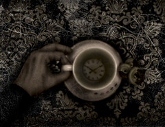 is not the right time for my cup of tea (sigillo_Lotus Flower) Tags: art strange is time tea alice room mani io psycho cupoftea stanza followthewhiterabbit fiabazioneeautonarrazione realidadirrealista uncannyvillage nottherighttimeformycupoftea kissmyaandtalentwiththistrophy