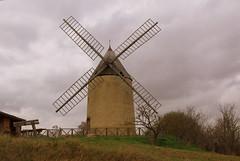 Moulin de Montbrun (fabdebaz) Tags: moulin paysage 31 distillery aficionados sudouest hautegaronne lauragais montbrun k10d pentaxk10d francelandscapes justpentax février2008