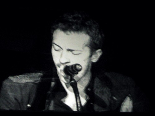 coldplay honda center 015 (Chris Martin)