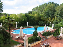 Toscana - Marina Di Massa (Been Around) Tags: italien italy hotel europe italia eu piscina swimmingpool massa tuscany ita italie toskana marinadimassa toskania toszkána etrusker worldtrekker toskánsko tuskien cavalieridelmare tuszien tuscien