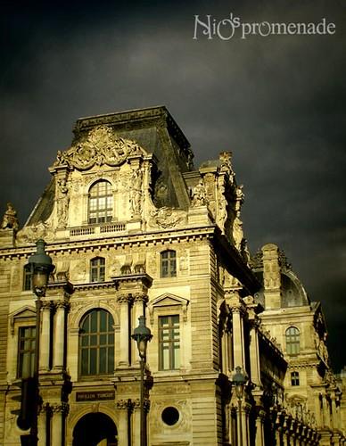 你拍攝的 Louvre。