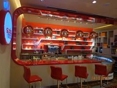 Sheraton Hotel    (The Libyan Fish) Tags: cafe dubai lulu 60
