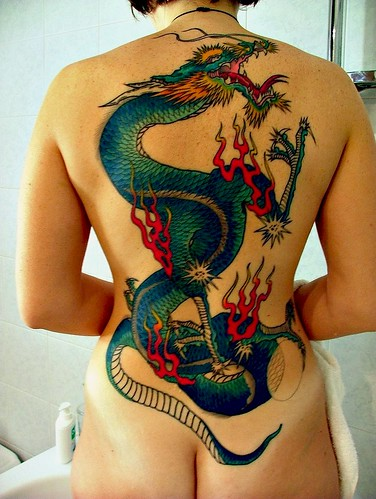 girl dragon tatto,girl dragon tatto