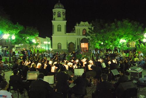 La banda en la plaza (2)