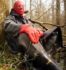 14 (Rubberping) Tags: rubber waders rubberboots gazmask