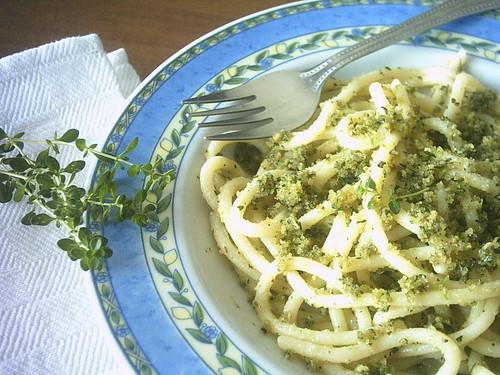 Spaghettoni con mollìca aromatica