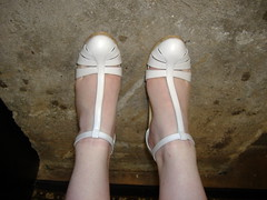 Kenneth Cole LA toes near (PrincessPoochie) Tags: feet shoe shoes pumps legs princess sandals heels daydreams poochie kennethcole slingbacks tstraps princesspoochie