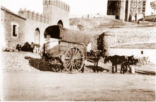 Carro junto a San Juan de Los Reyes