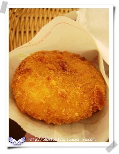 080624MOS雙醬章魚堡套餐06_北海道可樂餅