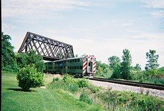 Southbound Metra passing through Northbrook Illinois. June 2008.