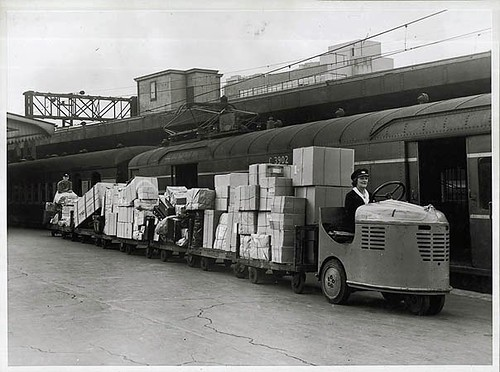 Luggage transport at Sydney