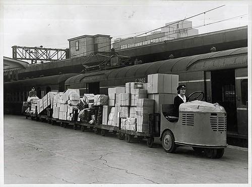 Luggage transport at Sydney