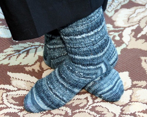 Undulating rib socks