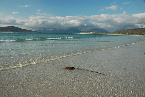 Taransay Left, Off Traigh Sheileboist