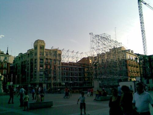 Plaza mayor preparations for Fiestas de la Virgen de San Lorenzo