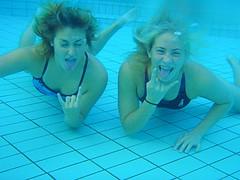 (4/365) - rock´n roll (júlía ∆) Tags: blue girls water rock swimming pose underwater posing swimsuit