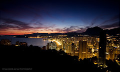 A swarm of people meet every summer in Benidorm (Salva del Saz) Tags: espaa night canon eos noche spain long exposure raw cityscape dusk alicante crepusculo ocaso 1022mm 1022 anochecer benidorm exposicion larga cokin efs1022mm p121 nd8 neutraldensity singleraw 40d salvadordelsaz salvadelsaz