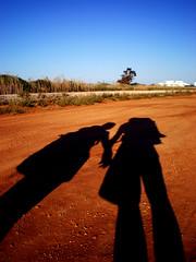 Insieme (FABIO.TABO) Tags: light shadow pentax ombra terra salento puglia lecce salentu cammino terrarossa cieloblu permano torrepali colourartaward optiom40 leprimeombredelmattino terrarossadelsalento lalucedelprimomattino lauraefabio ikilometriapiedi