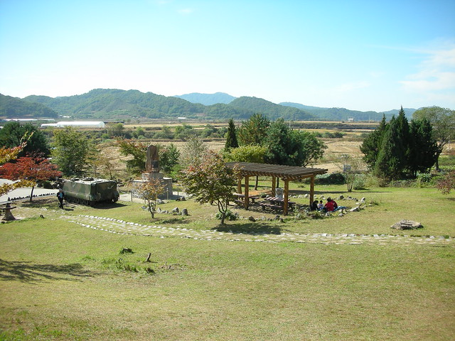DMZ near Cheorwon 24 - White Horse Hill memorial by Ben Beiske