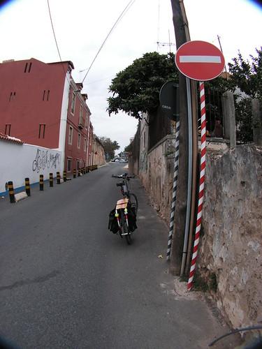 Estrada perto das Finanças de Paço d'Arcos