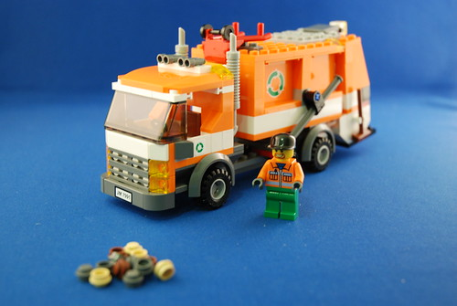LEGO 7991 垃圾車_03.JPG