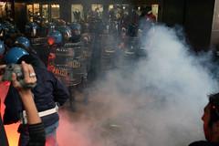 Stazione Cadorna (FaAbiu) Tags: milano polizia manifestazione cadorna no133 legge133