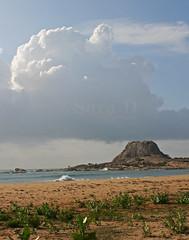 Patanangala 2 (Sara-D) Tags: sea sky cloud beach rock clouds canon nationalpark wildlife jungle srilanka yala patanangala eos400d absolutelystunningscapes skyascanvas topbeaches