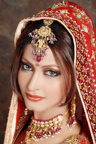 pakistani makeup video. Pakistani bridal makeup