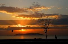 Bir CengiZ Ai Klasii!... / A Cengiz Ai Classic!... (CengiZ Ai) Tags: sunset bravo searchthebest trkiye istanbul karga knalada supershot enstantane favemegroup3 theunforgettablepictures fbdg thebestofday gnneniyisi olympussp570uz flickrlovers oltusfotos ineffableaward