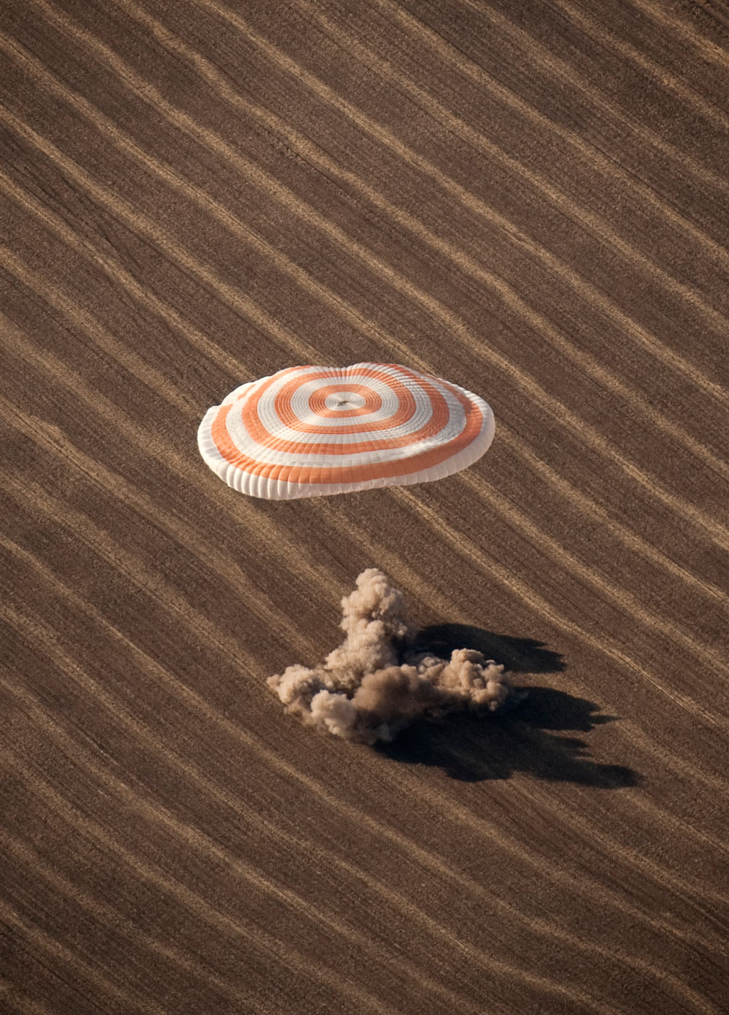 Expedition 20 Landing (200910110011HQ) (explored)