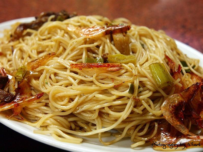 嘟嘟美食館:櫻花蝦炒麵線