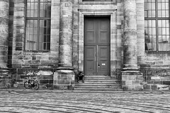 Reading Stop (gman_garry) Tags: bw germany bavaria 7d streetscenes nuernberg 28mmf18 2011